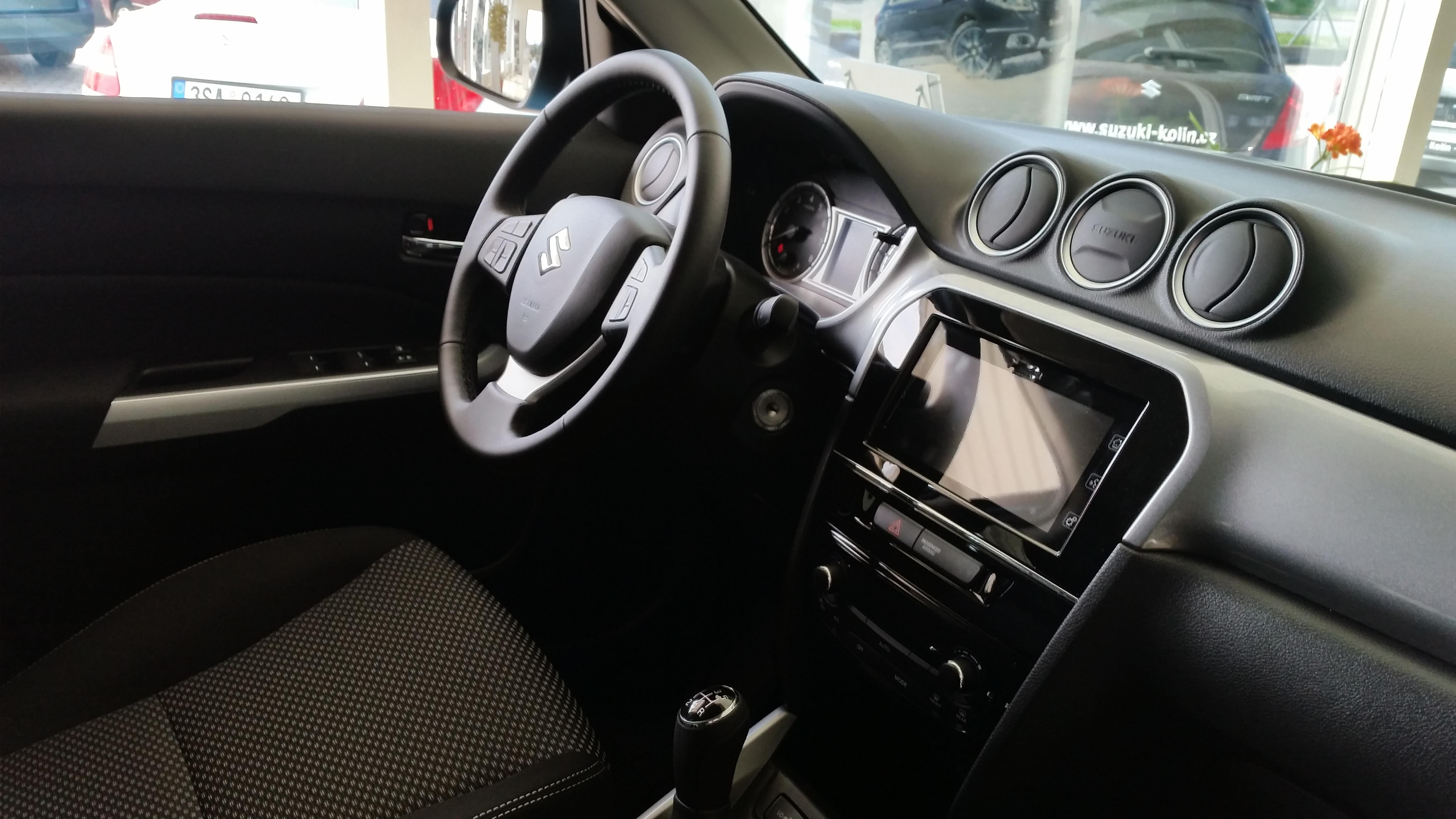 Suzuki nová Vitara 1,6 Premium 4x4
